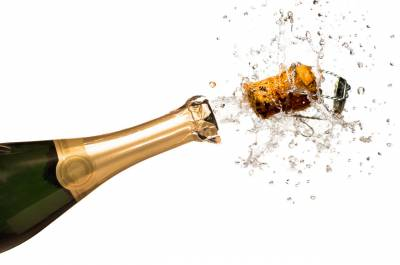 b2ap3_thumbnail_Close-up-of-explosion-of-champagne-bottle-cork2.jpg