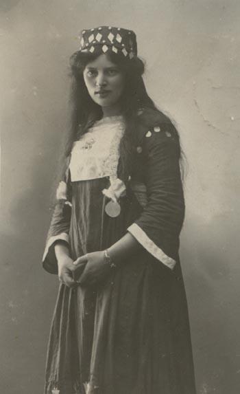 18644