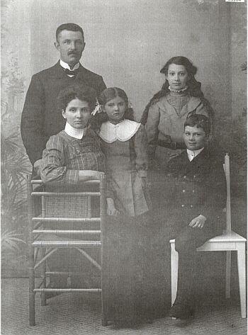 18818