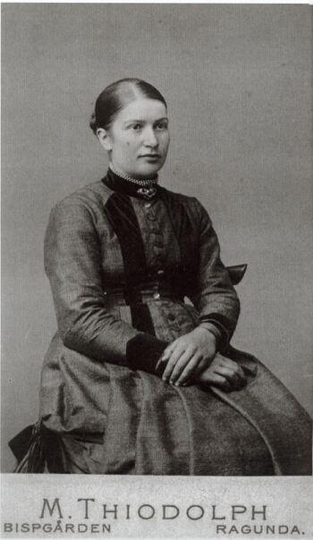 18828
