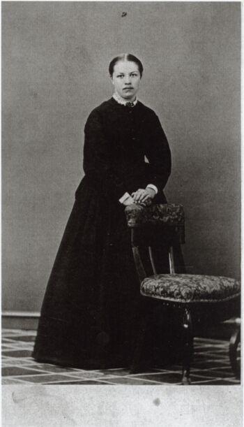18829