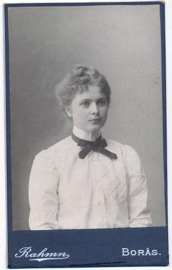 186301