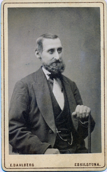 186303