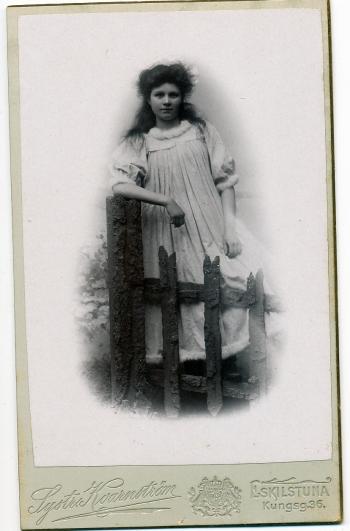 186306