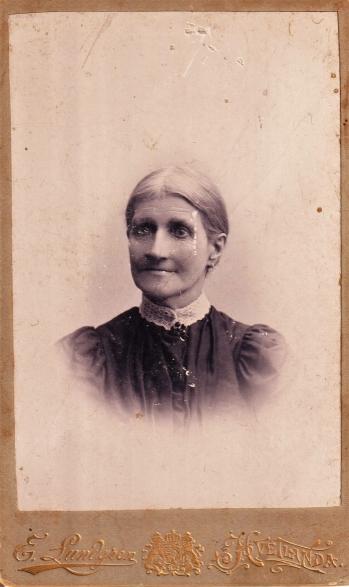 186720
