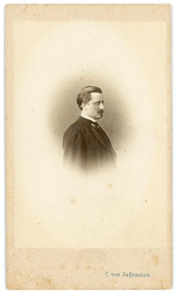 186873