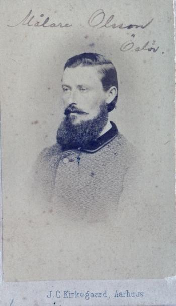 189002