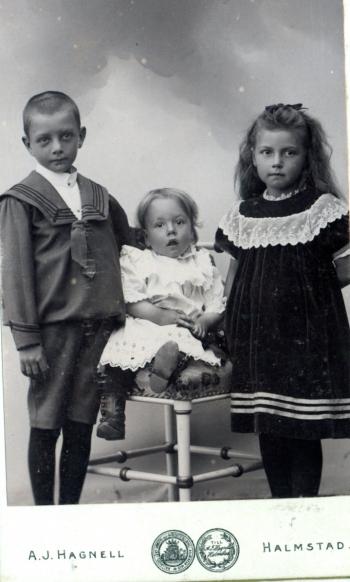 189110