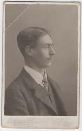 189702