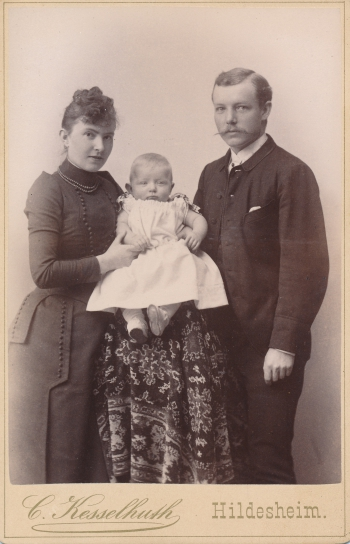 189803