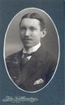 189047