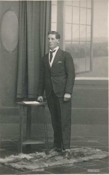 190317