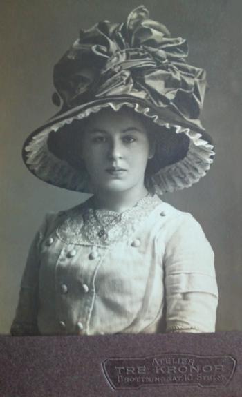 190983