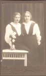 192743