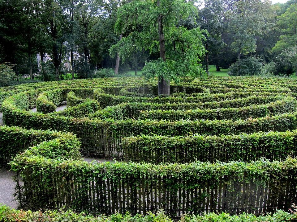 labyrinth-3608043_960_720